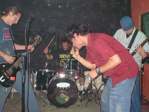 """Reunião em 2005 com a participação de Héctor """"Zazá"""" Vega no vocais."""